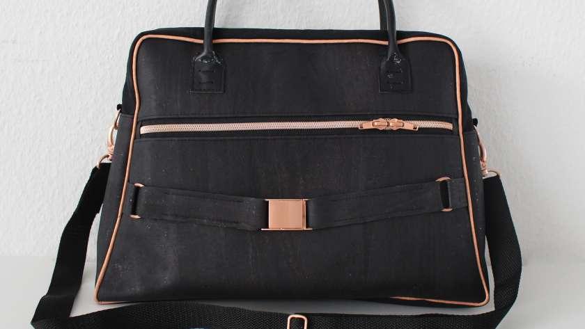 Die Doctor's Bag Billy aus Korkstoff mit Kupfer-Taschenzubehör