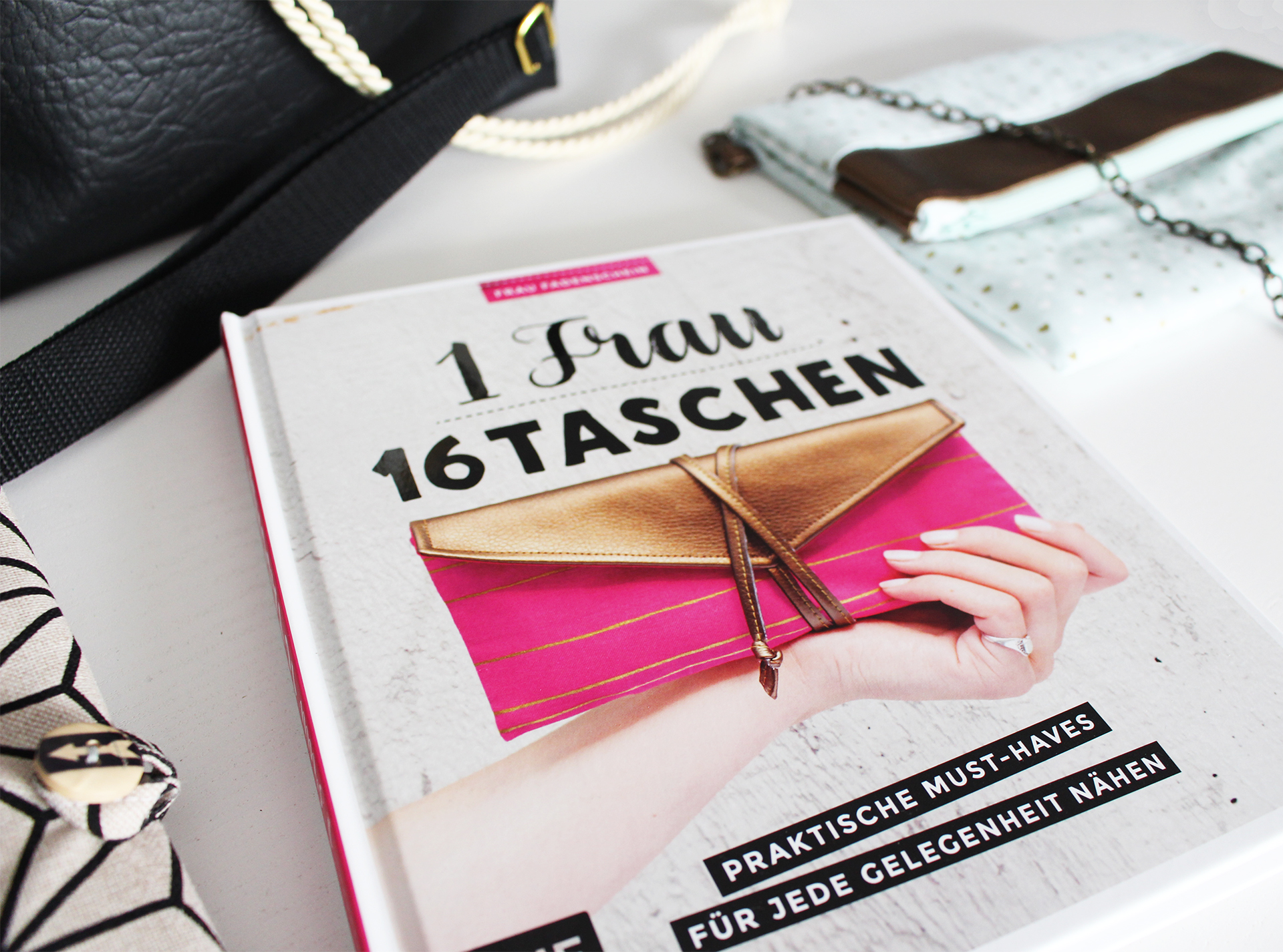 """Blogparty bei Frau Fadenschein – """"1 Frau, 16 Taschen"""""""